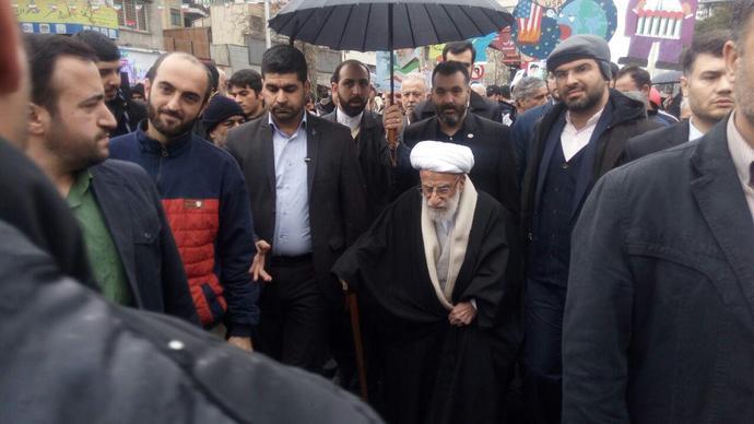 حضور آیت الله جنتی، رئیس مجلس خبرگان و دبیر شورای نگهبان در راهپیمایی ٢٢ بهمن