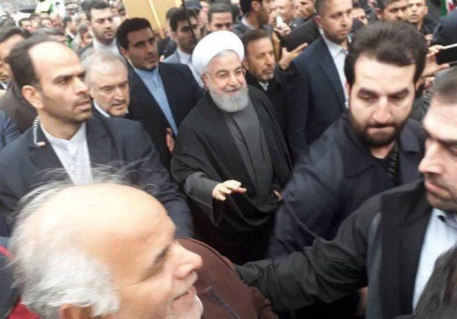 حضور رئیس جمهور در راهپیمایی ۲۲ بهمن