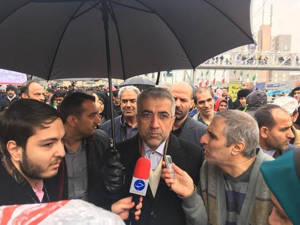 اردکانیان، وزیر نیرو در راهپیمایی ۲۲ بهمن