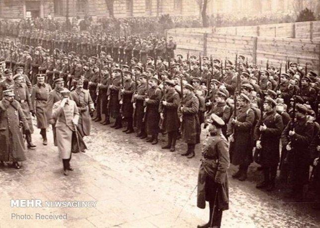 افسران نظامی لهستان در یک مراسم ویژه