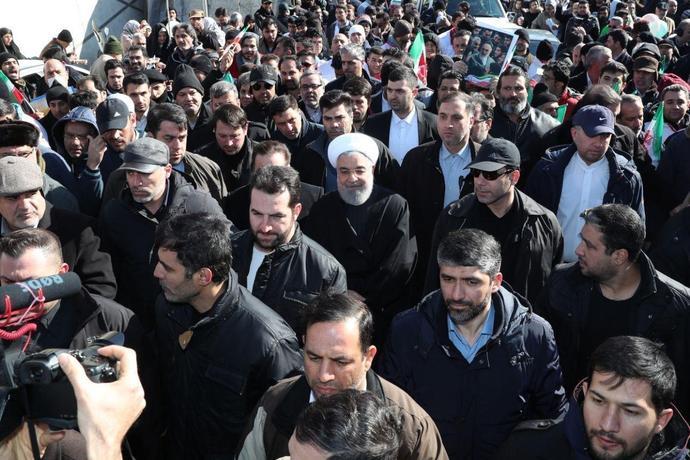 حسن روحانی، رئیس جمهور در جمع راهپیمایان