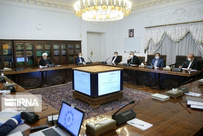 اولین نشست اقتصادی سران سه قوه در سال 1399 روز شنبه در نهاد ریاست جمهوری برگزار شد.